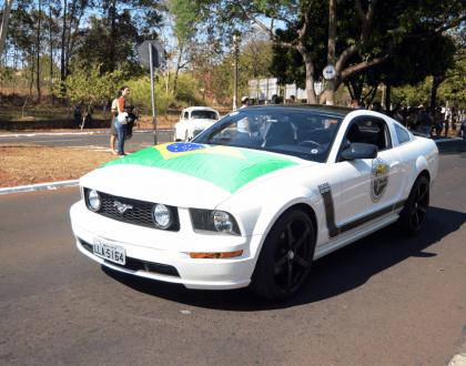 Jornal Tribuna destaca desfile cívico com participação do Faixa B